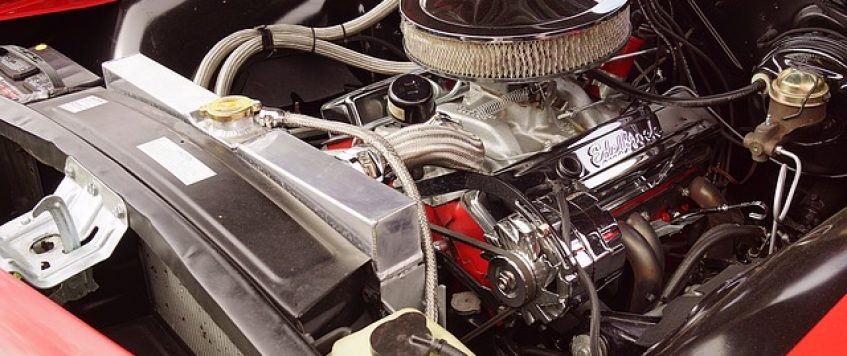 Auto Transport Tips: Tell-tale Signs That You Should Change Your Car's Air Filter